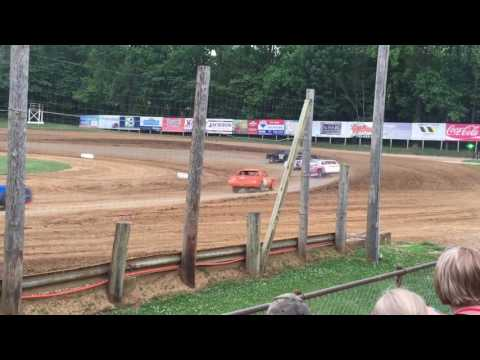 6-17-17 Bomber Heat Race 3 at Lincoln Park Speedway
