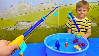 Рыбалка Баттат для детей и Даник - Развлекательное детское видео с игрушками Battat.