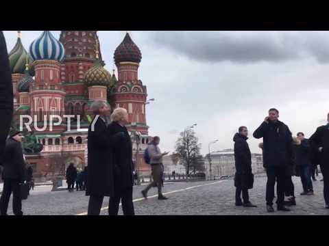 Russia: Boris Johnson and UK ambassador visit Moscow's Red Square