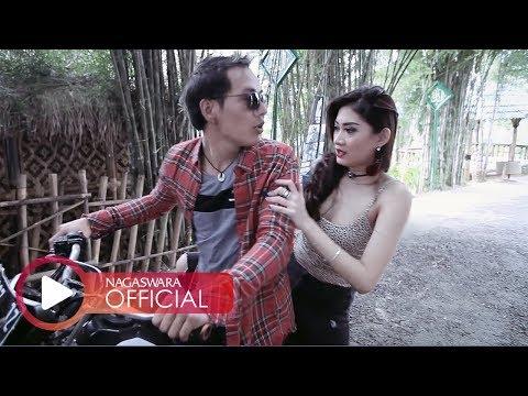Merpati - Surga Di Bawah Telapak Kaki Ibu (Official Music Video NAGASWARA) #music