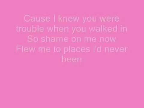 I Knew You Were Trouble - Taylor Swift (Lyrics)