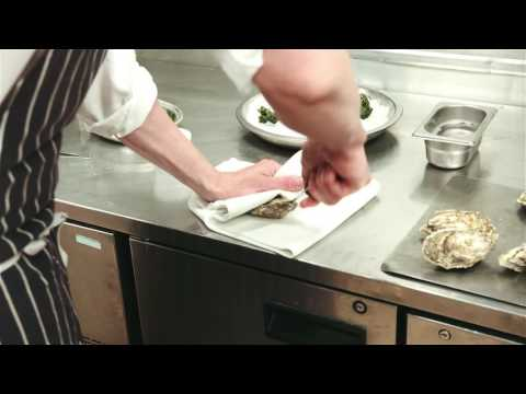 How to Prepare Oysters | Rules Restaurant