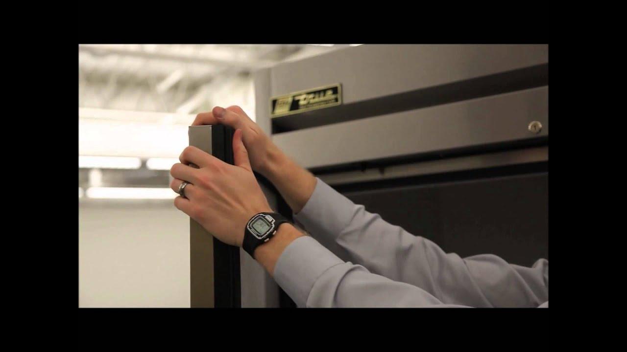 true mfg solid door reach in zer video t 49f