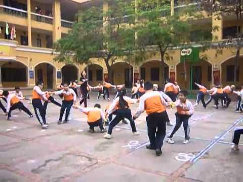 Tiết dạy thể dục cấp Tiểu học1 - YouTube.FLV