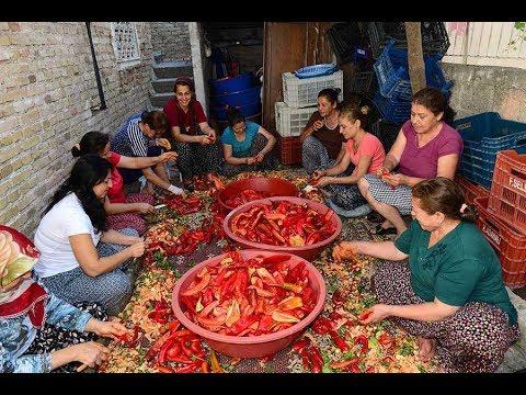 Adana'da ev kadınlarının geçim kaynağı salça