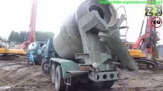 Concrete Mixer Cement Trucks Nissan Diesel V8 at Work
