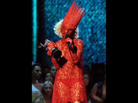 lady gaga fashion disasters.wmv