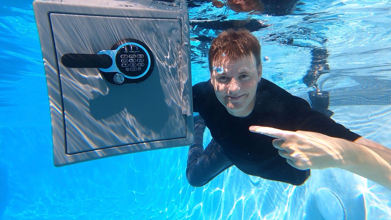 What's inside a Waterproof Safe?