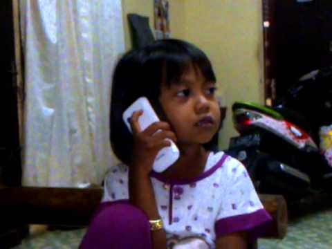 video lucu anak2 ecek ecek telponan