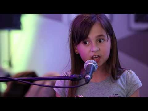 Petit nuage Blanc chanté par Emilie Adry