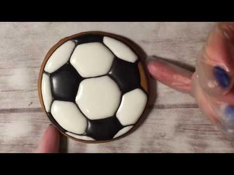Имбирное печенье Айсинг Роспись пряников. Футбольный мяч
