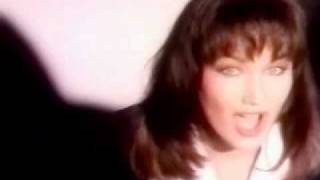 Watch Lari White Now I Know video