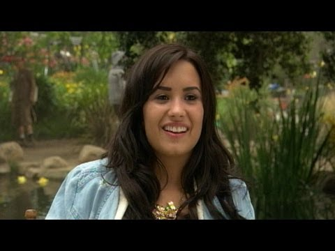 Demi Lovato  Tinker Bell Music : Gift of a Friend  Disney Playlist