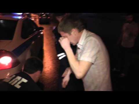 Пьяный ударил инспектора