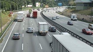 Traffic slow-moving on major roads in peninsula