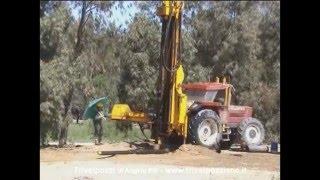 Trivelpozzi: Spurgo pozzo acqua termale a Sardara (30/04/2002)