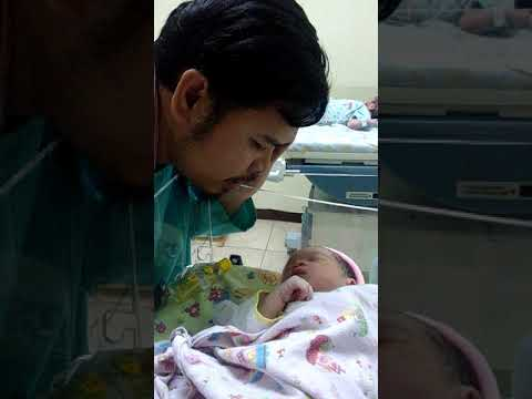 Ajaib!! Lihat respon bayi yg baru lahir ini ketika mendengar suara adzan