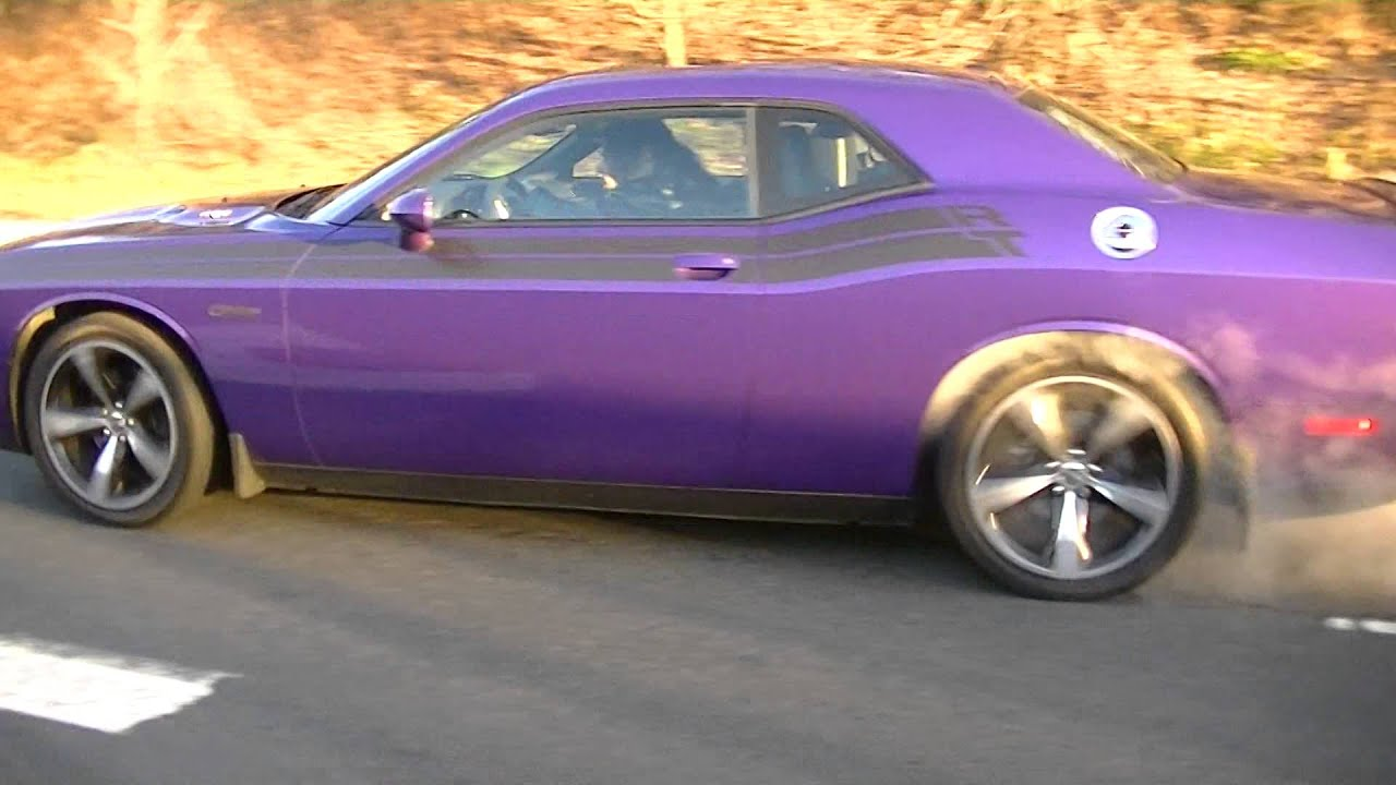 monster burnout 2014 plum crazy challenger rt classic with super track pack jan7th 2016 youtube. Black Bedroom Furniture Sets. Home Design Ideas
