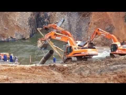 Lowering of pipeline in river