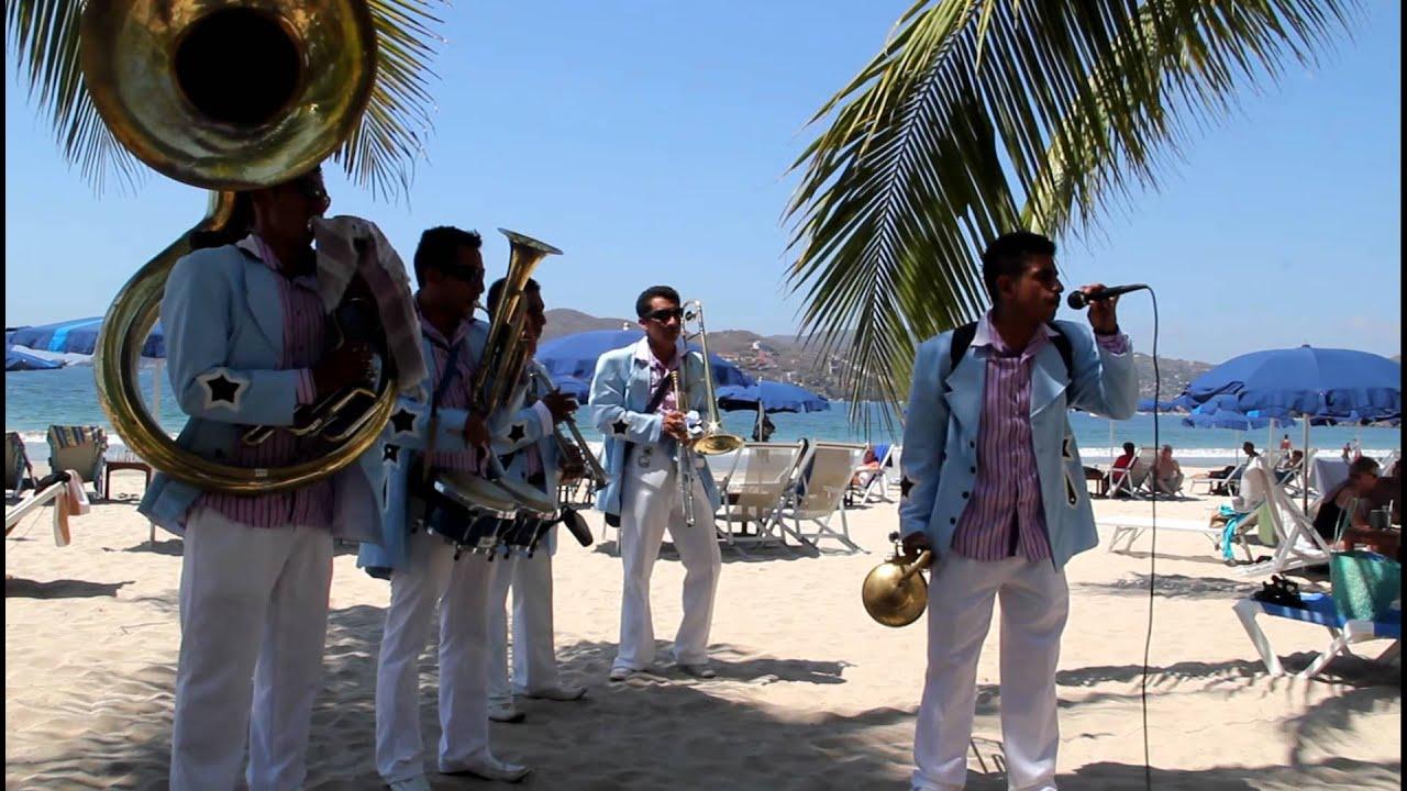 MUSICA DE BANDA EN IXTAPA-ZIHUATANEJO. Cel 7555570149
