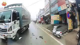 Đi xe máy qua đường ẩu và cái kết kinh hoàng...