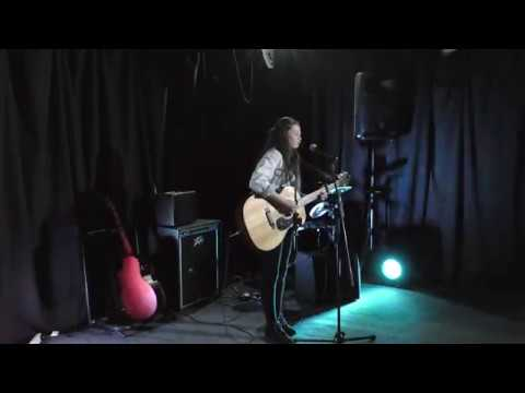 Runnin'  Brooke Burns Cre8vie sessions 2017 (cover)