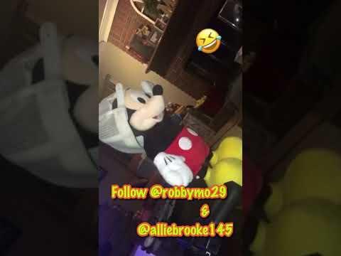 Mickey doing the ju ju on that beat