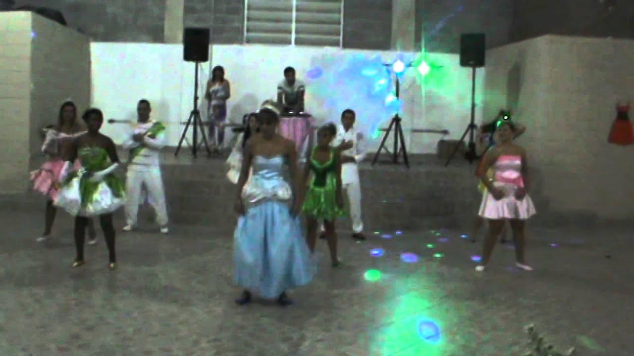 DANÇA SURPRESA FESTA A FANTASIA 15 ANOS JOYCE FERNANDES PRINCESAS E