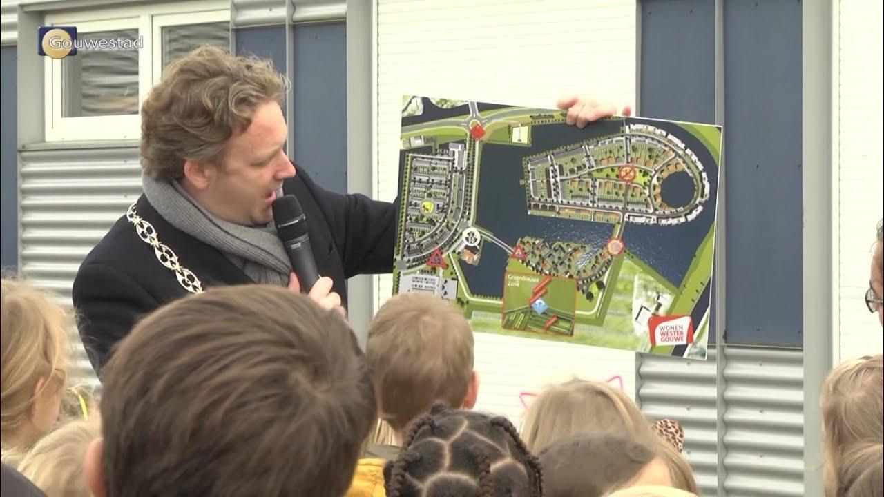 Kinderen maken nieuwe verkeersborden