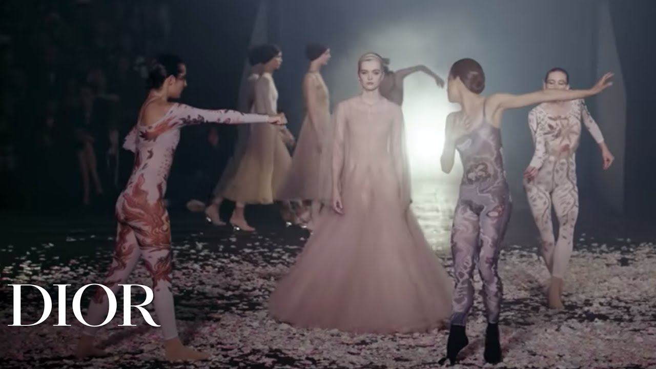Spring-Summer 2019 Ready-to-Wear Show - The Show Video