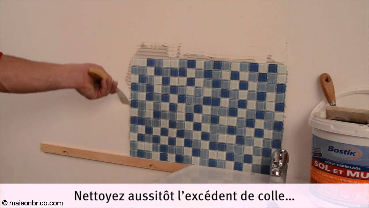 Poser du carrelage mosa que au mur youtube for Colle pour carrelage sur carrelage existant