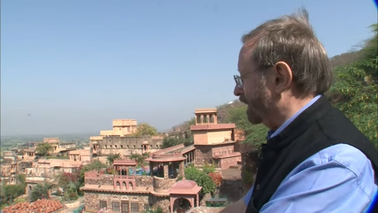 Download Il rachète un immense palais de maharaja... pour 12 000€