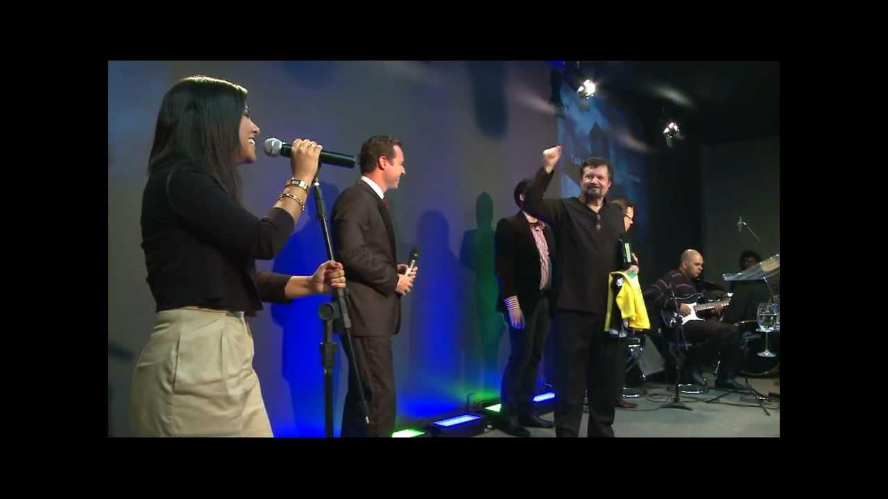 Mike Murdock e Gabriela Rocha cantando juntos - Tua Palavra -  a mais