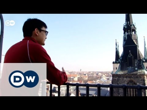 Halle with a tourist from Thailand | Discover Germany