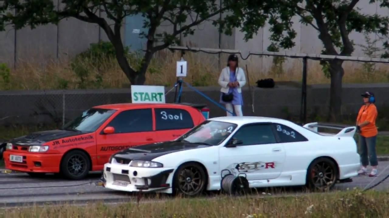Street Race Nissan Skyline R33 Gt R V Spec Vs Nissan