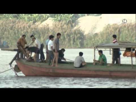 VTC14_Tạm dừng tìm xác nạn nhân bị bác sĩ ném xuống sông Hồng