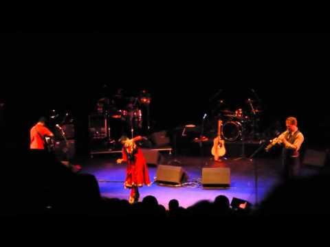 Raghu Dixit 'Tum Kahan' Performing live at QEH 2011, The rain song with Gauri Sharma Tripathi