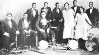 Clarence Williams & His Orchestra - Let Every Day Be Mother