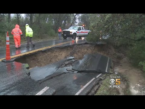 Repairs Of Massive Sinkhole On Highway 35 Slow Going For Caltrans