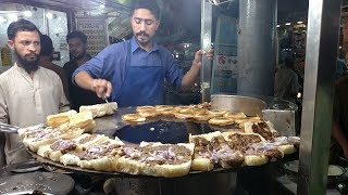 Street Food Of Karachi Pakistan | Bun Kabab at Street Food Pakistan