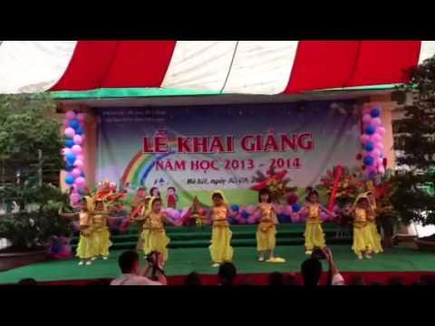 Bông múa Ấn Độ tại Lễ Khai giảng trường Mẫu giáo Liễu Giai