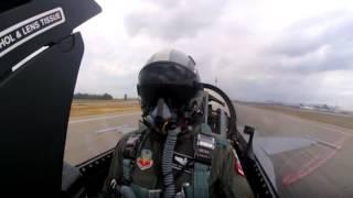 ถ่ายจากห้องเครื่อง นักบิน F-16 โชว์การขับให้ดู น่าทึ่งมาก