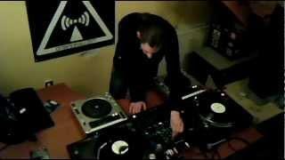 Longman @ dnbnoise.com 22/12/2012 only vinyl oldschool set http://w...