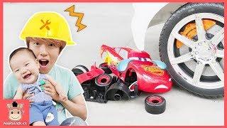 맥퀸 조심해! 국민이 디즈니 카 토미카 망가졌어요 ♡ 장난감 공구놀이 수리놀이 Mcqueen be Careful Disney Car Toy | 말이야와아이들 MariAndKids