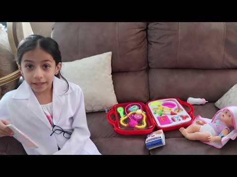 الدكتورة ميرا تعالج البيبي المريض  !!