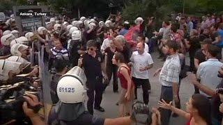 مظاهرات في انقرة و شمال العراق تندد بهجوم تركيا على الأكراد   26-7-2015