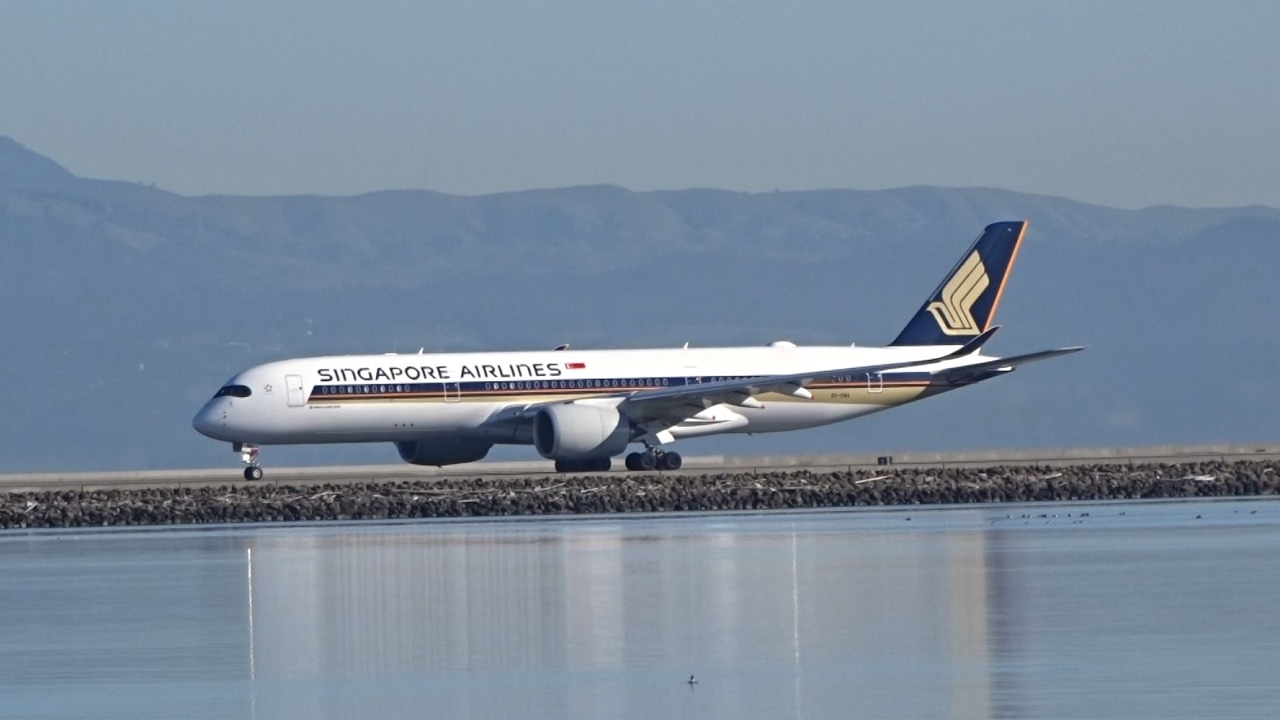 Singapore Airlines Airbus A350 941 9v Sma Takeoff