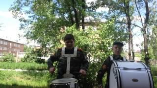 Походный марш трэвиса на барабане