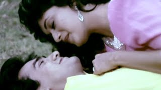 Hum Tumse Mohabbat Karte The - Aamir, Madhuri, Deewana Mujh Sa Nahin Song