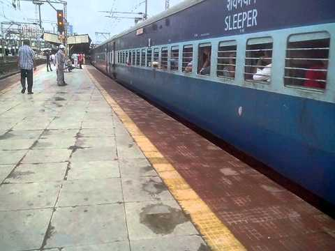 INDAIN RAILWAYS: 16382 MUMBAI CST- KANYAKUMARI EXPRESS ARRIVES THANE WITH FULL RESPECT!!!!!!! from YouTube · Duration:  1 minutes 33 seconds
